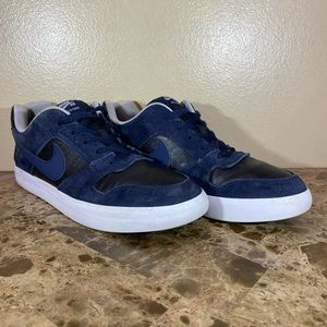 Nike SB Delta Force Shoes